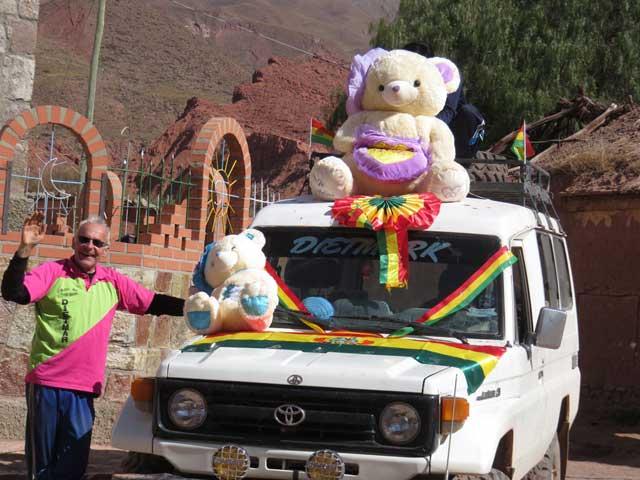 unser geschmücktes Auto am bolivianischen Unabhängigkeitstag